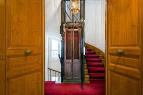 Entrance with a view of the lift