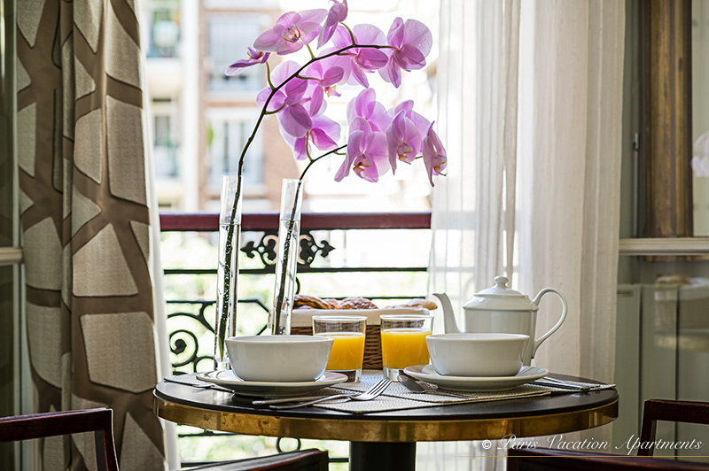 (05)-Breakfast
